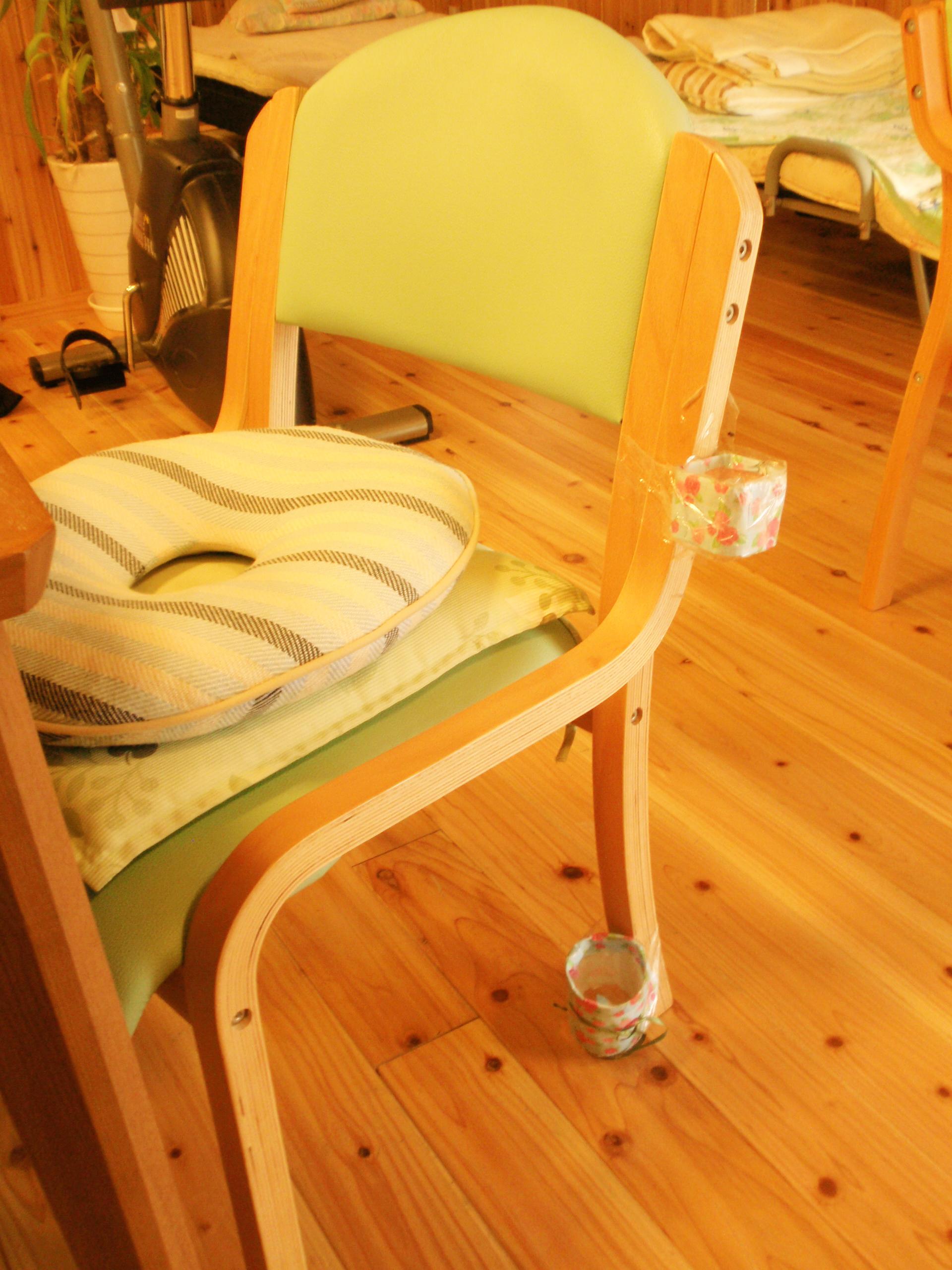 思いやり倶楽部施設談話スペース椅子画像